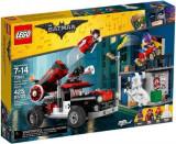 LEGO® Batman Movie Harley Quinn™ Atacul cu tunul 70921
