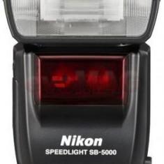 Blitz Nikon SB-5000 AF Speedlight i-TTL cu comanda radio