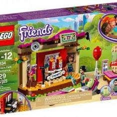 LEGO® Friends Spectacolul din parc al Andreei 41334