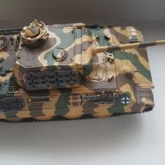 + Macheta asamblata 1/35 Italeri - Panther  +