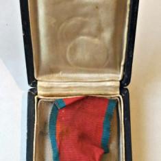 ORDINUL COROANA ROMANIEI CAVALER MD 1938 MILITAR PE TIMP DE RAZBOI CU CUTIE