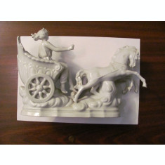 "PVM - Bibelou vechi Romania portelan superb ""Zeitate in car antic tras de 2 cai"""
