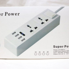 Prelungitor universal cu intrerupator, 2 prize si 4 porturi USB
