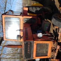 Tractor U650+ plug