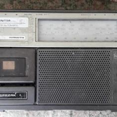 RADIO CASETOFON UNITRA RM 222 PENTRU PIESE .