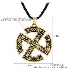 Pandantiv  viking cu rune si simboluri norse crucea soarelui