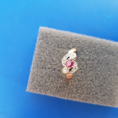 Inel aur 9k cu diamante și rubin