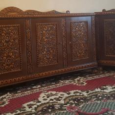 Set mobila sculptata manual