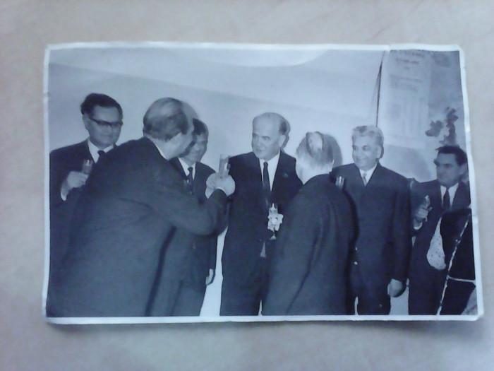 fotografie - semnarea planului de colaborare stiintifica , Acad RSR si Acad URSS foto mare