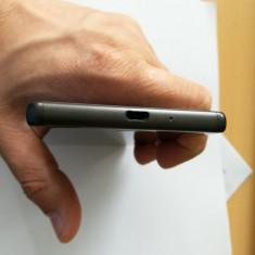 Telefon Sony Xperia X 32 GB Negru- Impecabil, 32GB, Neblocat
