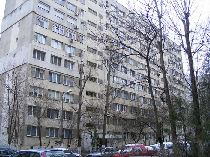 Vand apartament 4 camere - Drumul Taberei zona Romancierilor