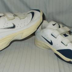 Adidasi copii NIKE - nr 31