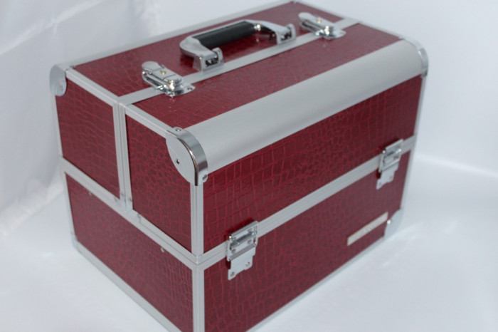 Beauty Case / Geanta Make up aluminiu rezistent Model Mare Burgundy foto mare