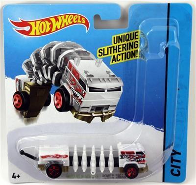 Jucarie Hot Wheels Mutant Machines Power Tread foto mare