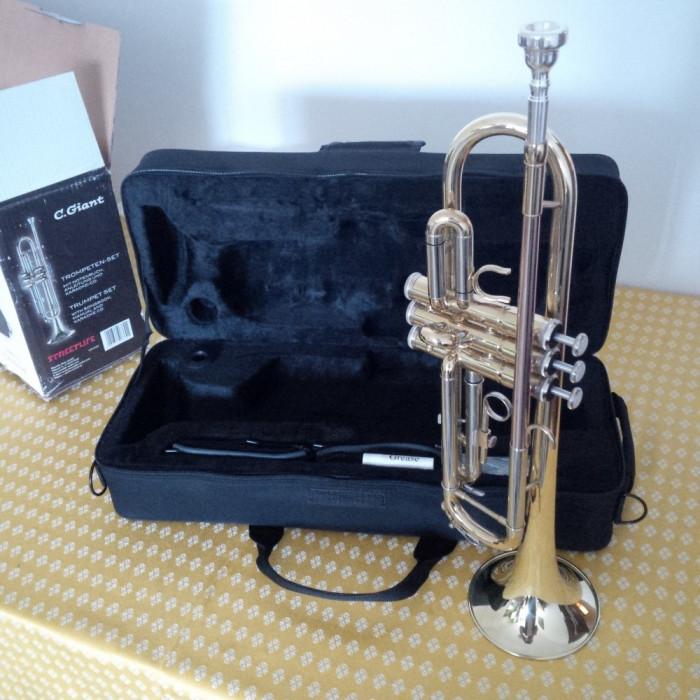 Trompeta C. Giant