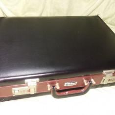Diplomat cu cifru de tacamuri Solingen,Diplomat vintage,Transport GRATUIT