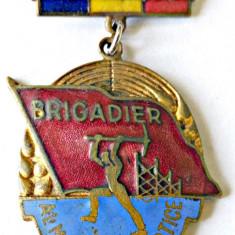 INSIGNA FRUNTAS BRIGADIER AL MUNCII PATRIOTICE 1959