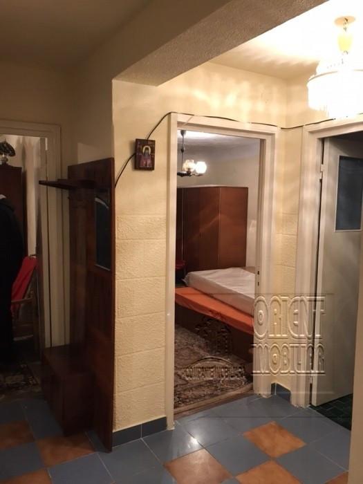 Tomis Nord, apartament 3 camere, etaj 2, vanzari