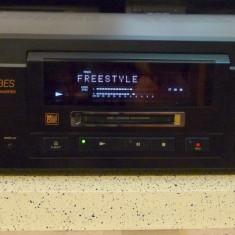 MiniDisc Sony MDS-JA3ES telecomanda, stare foarte buna, poze reale