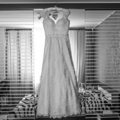 Vând rochie mireasa Ivory cu dantela și trena Andree salon, Ivoire
