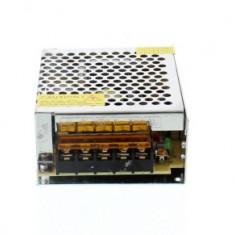 Sursa in comutatie AC-DC 60W 12V 5.0A WELL; Cod EAN: 5948636024340