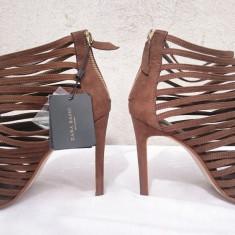 Pantofi toc sandale elegante piele intoarsa Zara Italia, 39, Maro