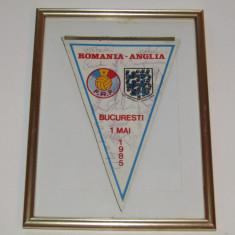 Fanion(colectie)fotbal ROMANIA-ANGLIA(autografe originale-jucatorii romani) - Fanion fotbal