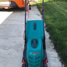 Masina electrica de tuns iarba Bosch ca noua