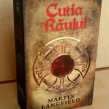 Martin Langfield - Cutia Raului ( ed. RAO;  480 pag.)
