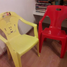 2 scaune de copii cauta proprietari jucausi - Masuta/scaun copii