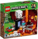 LEGO® Minecraft Portalul Nether 21143