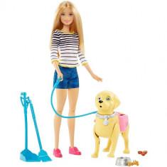 Papusa Mattel Barbie la Plimbare cu Catelul