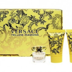 Apa de toaleta Versace Yellow Diamond Dama 5ML Edt 5ml + 25ml Lotiune de corp + 25ml Gel de dus - Parfum femeie