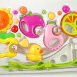 Carusel muzical cu figurine si zorzoane (pentru patutul bebelusului) - Lovely Toys
