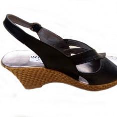 Sandale dama negre din piele naturala, cu platforma - Made in Romania, 35 - 40