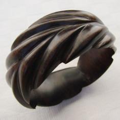 Frumoasa bratara din lemn exotic de esenta africana, Femei