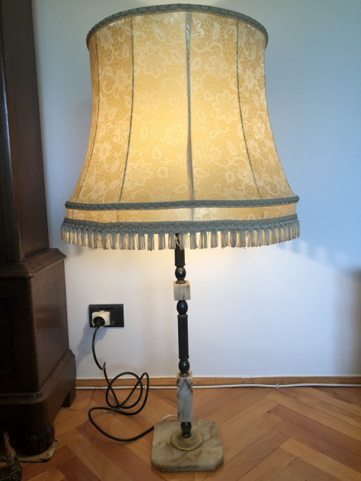 Lampadar vechi,cu abajur,veioza,veche,franceza,din alama si piatra