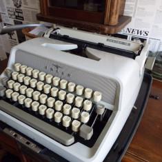 Masina de scris ADLER Junior 10