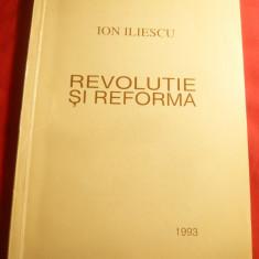 Ion Iliescu -Revolutie si Reforma -Ed.1993 autograf si dedicatie pt.Gen.Spiroiu - Carte Politica