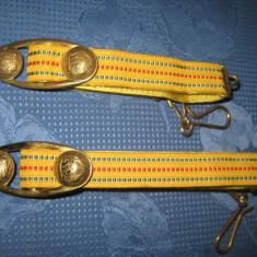Baliere aurite Stilet militar RSR stare foarte buna.