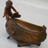 BOMBONIERA FOARTE VECHE DIN ANTIMONIU - STIL ART NOVEAU - STATUETA COPIL, Ornamentale