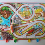Jucarie veche colectie, circuit masinute tabla, 1 auto, 1 autobuz, Lemez Ungaria