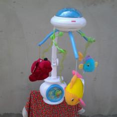 Fisher-Price / 3 x 1 / carusel muzical cu proiectie