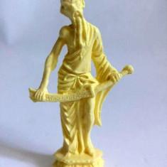 Figurina plastic alb, japonez, samurai cu sabie, 7cm