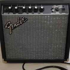 Set chitară electrică Squier Affinity Stratocaster şi  amplificator, Fender