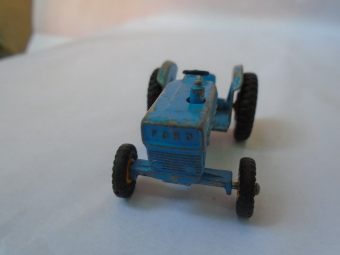 bnk jc Lesney Matchbox no 39 - Ford Tractor