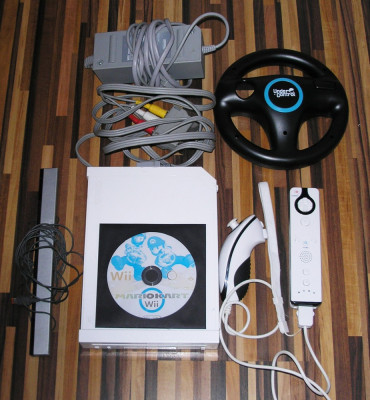 Consola Nintendo Wii alba completa + volan + joc foto