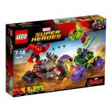 LEGO® Marvel Super Heroes - Hulk contra Hulk cel Rosu (76078)