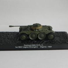 Macheta tanc Panhard EBR-75 FL 11 - Algeria - 1957 + revista scara 1:72