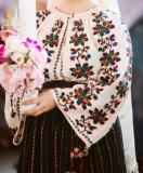 Costum popular din colectia personala compus din ie cusuta cu margele si valnic, S/M